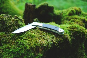 essential-survival-knife