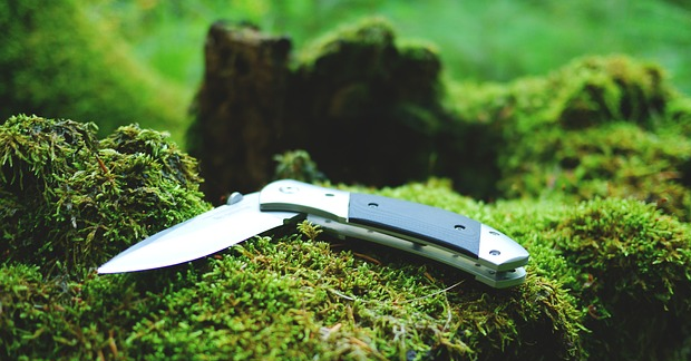 Best Essential Knives For Survival